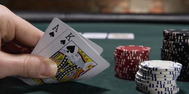 4 Major Advantages of Playing Blackjack Online